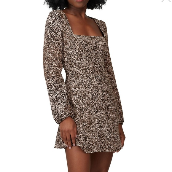 Flynn Skye Dresses & Skirts - Flynn Skye Long Sleeve Leopard Mini Dress
